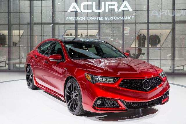 Honda's Acura premium brand introduced the new PMC Edition of its TLX sedan which will be hand-built at the company's Performance Manufacturing Center in Ohio, alongside the NSX supercar.