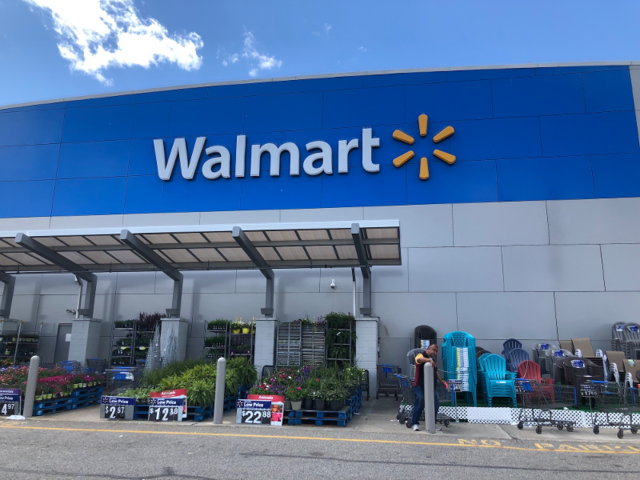 purchase cheap f7f6c 9405f We compared Walmart in the US to its UK sister store Asda, and while ...