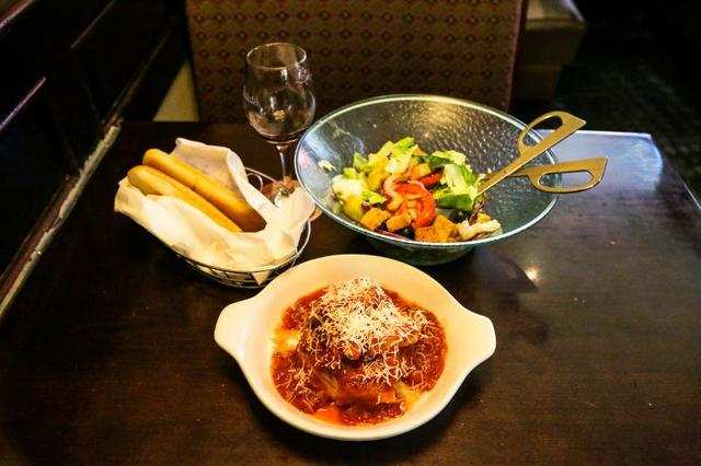 Olive Garden Has A Crazy New Breadstick Creation: Business Insider India On Flipboard