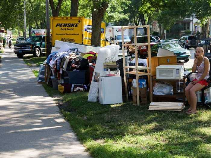 Moving out, securing a new apartment, and buying basic necessities cost more than $3,000
