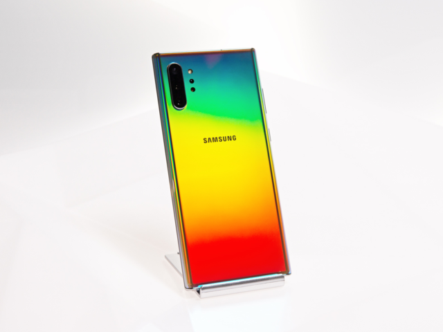 Samsung just announced 2 new Galaxy Note 10 smartphones, and one of them is smaller than the