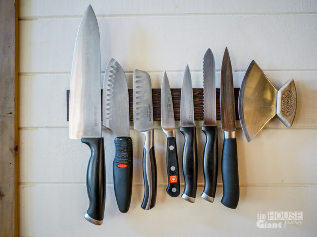 Spesard also uses magnets to keep kitchen accessories on the walls, such as spices and knives.