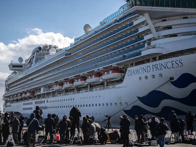 Cruise ship in Sydney hit by COVID-19