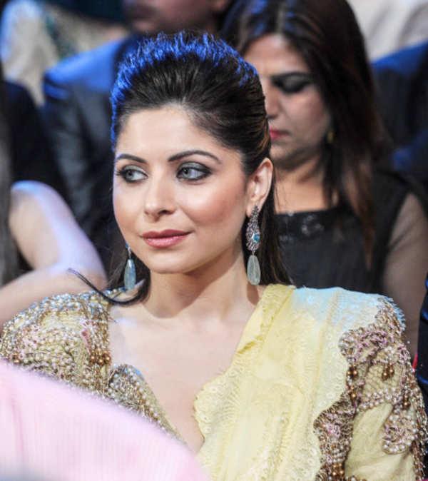 Singer Kanika Kapoor tests positive for coronavirus ...