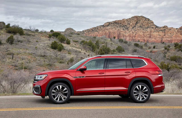 the refreshed 2021 vw atlas has arrived and the 7