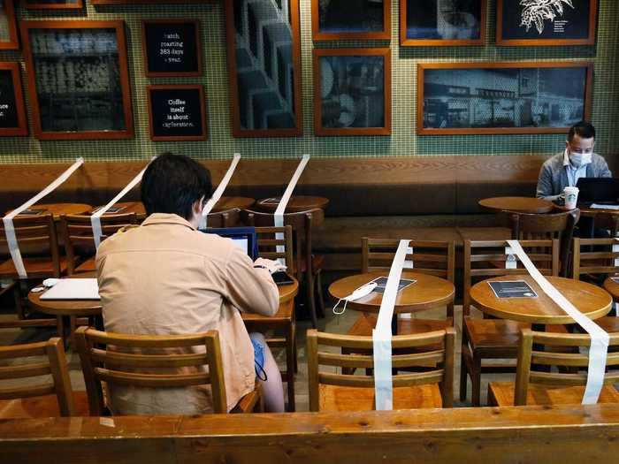 Customers can sit at any table they want.