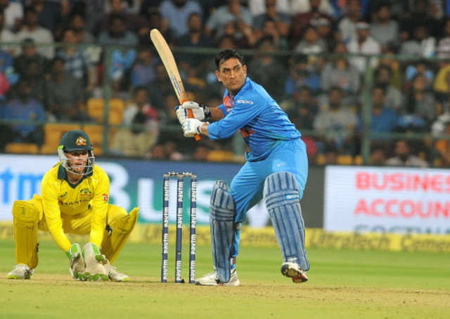 Mahendra Singh Dhoni S Iconic Moments Caught On Camera Businessinsider India 14 rare and unseen pics of m.s dhoni swaralee wad september 22, 2016 cricket, entertainment m.s dhoni movie is round the corner. mahendra singh dhoni s iconic moments