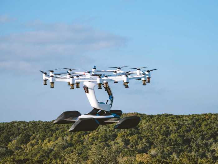 Hexa flies through electric propulsion.
