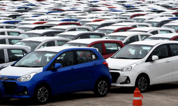 From Elantra To Santro And I10 To I20 Hyundai Is Offering Discounts Up To 1 Lakh On Its Cars Business Insider India