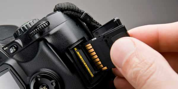 How to format an SD card and erase all of its data