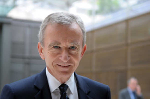 Louis Vuitton owner Bernard Arnault overthrows Jeff Bezos to become the richest man on earth