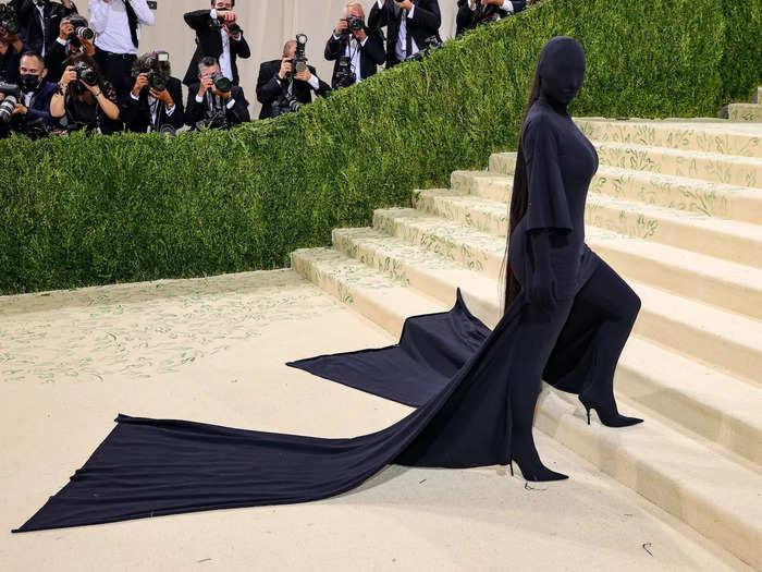 Kim Kardashian's all-black Balenciaga look was a letdown compared to her previous Met Gala ensembles.