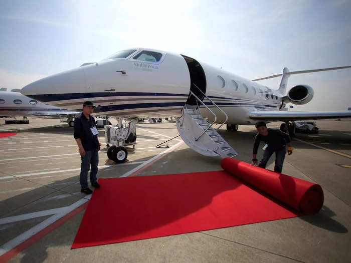 Elon Musk and Jeff Bezos might be rival space cowboys but besides being billionaire entrepreneurs, they also have a shared love for an American-made private jet known as the Gulfstream G650ER.