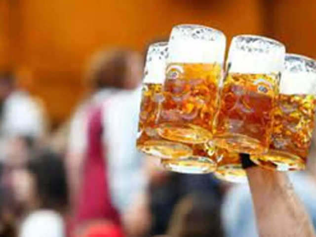 The beer 'cartel' of Kingfisher, Budweiser and Carlsberg have to cough up ₹870 crore in fines