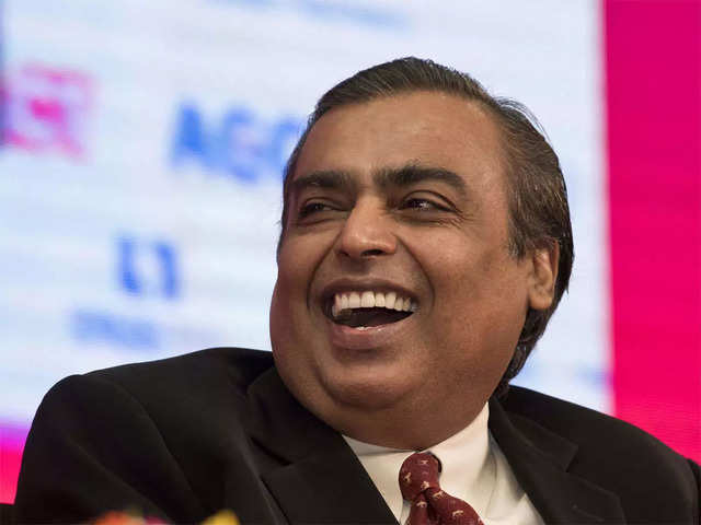 Reliance Retail's revenue has fallen short of its own record by ₹2,000 crore